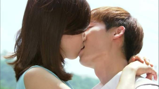 dramas kimchi i hear your voice kiss