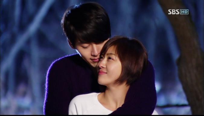 dramas kimchi secret garden Joo Woon and Ra Im hug