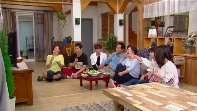 dramas-kimchi-strange-family.png